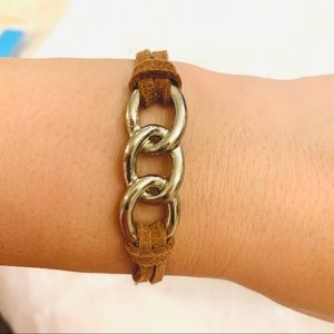 Leather band and oval chainlink bracelet